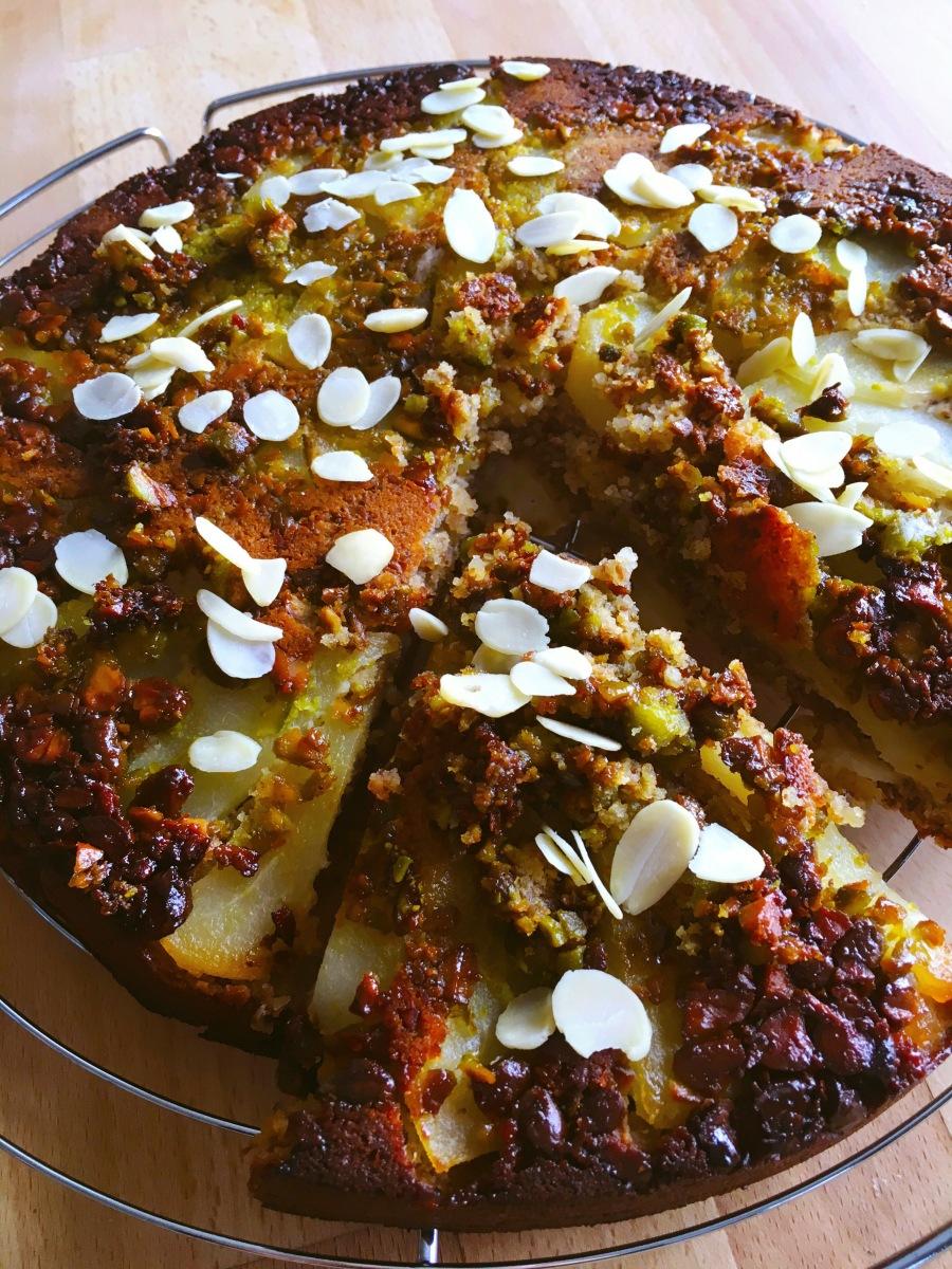 Gâteau végétalien poires amandes pistaches